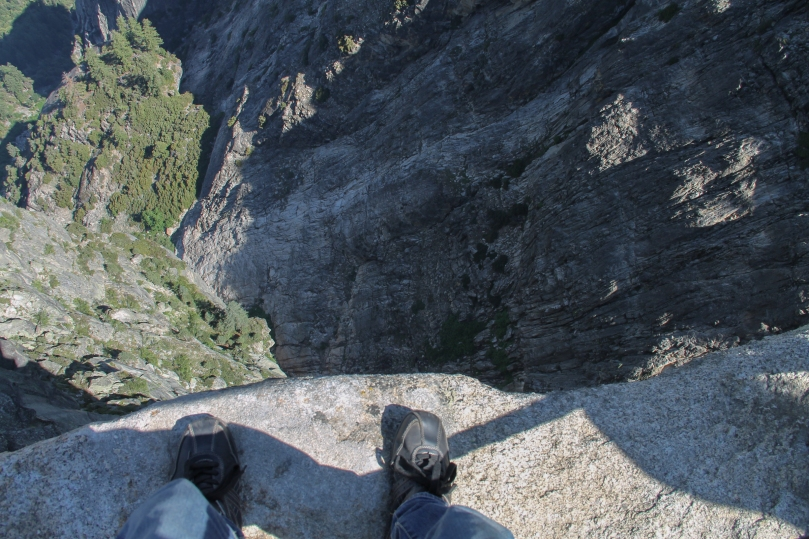 feet-edge-cliff-looking-down